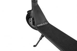 El modelo S90 soporta hasta 120 kg y cuenta con una superficie antideslizante en el apoyapies. Además la altura de su manubrio es realmente cómoda y fácil de utilizar. Cuenta con un agarre óptimo y el ancho adecuado para un traslado estable.